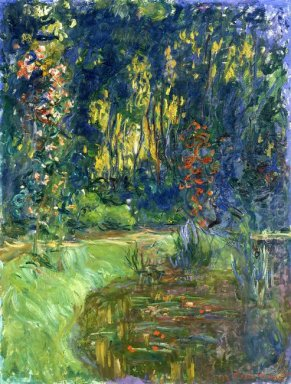 Water Lily Pond At Giverny 1919