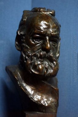 bust of victor hugo