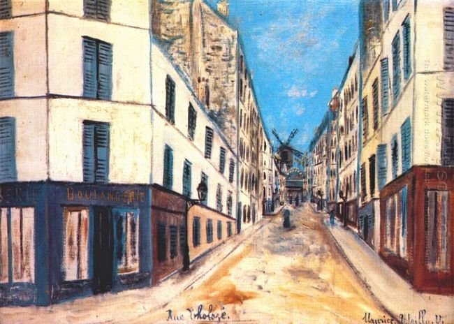 Tholoze Street